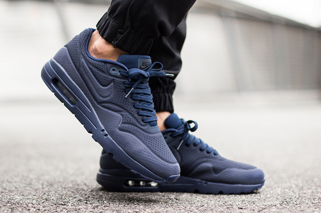 Nike-Air-Max-1-Ultra-Moire-Navy-4