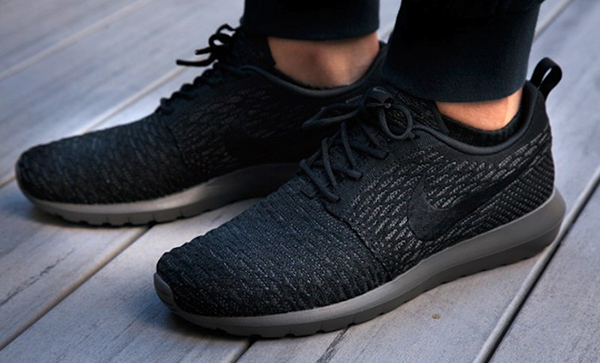 Nike-Flyknit-Roshe-Run-On-Foot-91