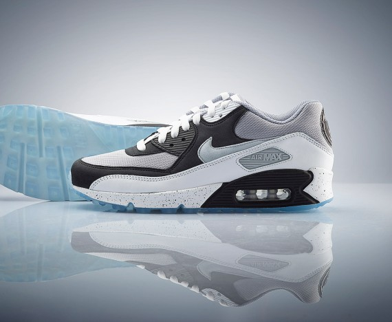 nike-air-max-90-id-paris-saint-germain-03-570x468