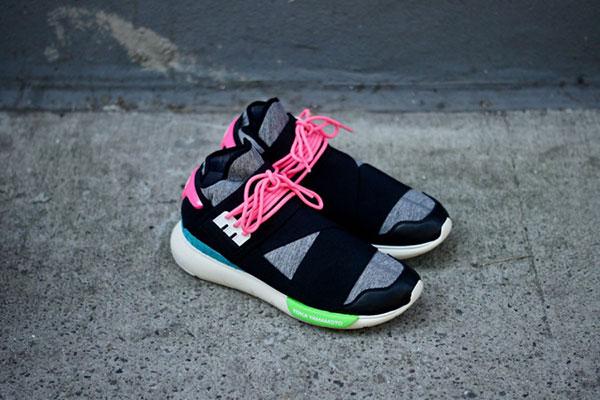 adidas-y3-qasa-black-neon-arriba-par