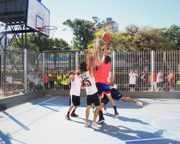 "Play to Win ""Caballito"" - 198 Aniversario - Doggs Basket"
