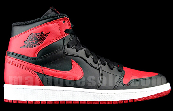 Air-Jordan-1-OG-Black-Red-costado