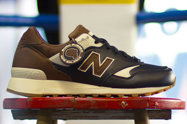 BURN-RUBBER-NEW-BALANCE-577-lateral-ring