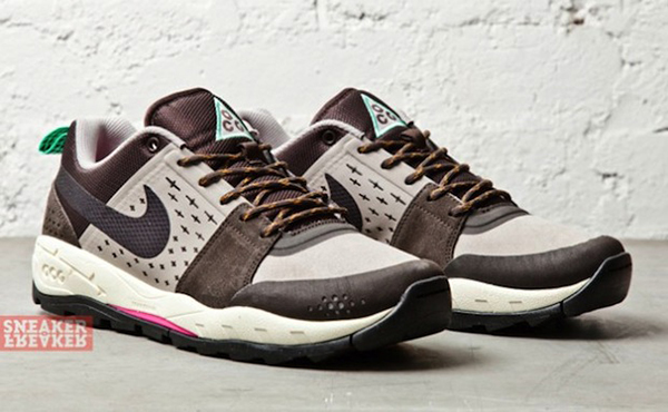 NIKE-AIR-ALDER-LOW-CLASSIC-BROWN-COBBLESTONE-2-par