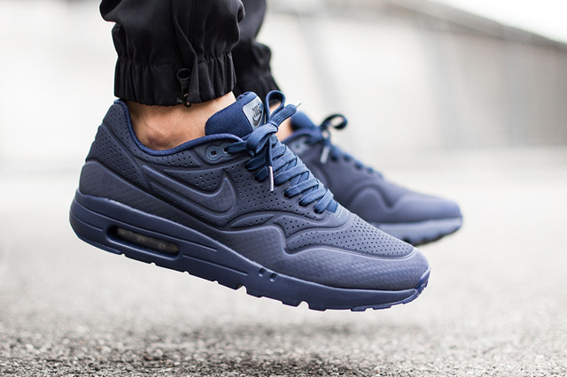 Nike-Air-Max-1-Ultra-Moire-Navy-2