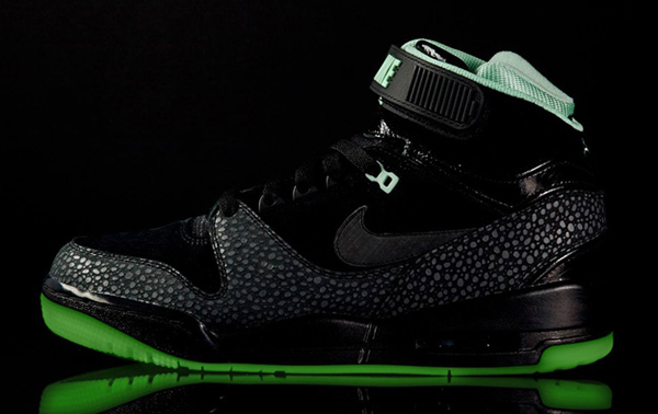 Nike-Air-Revolution-LOVERUTION-Hombre-LATERAL