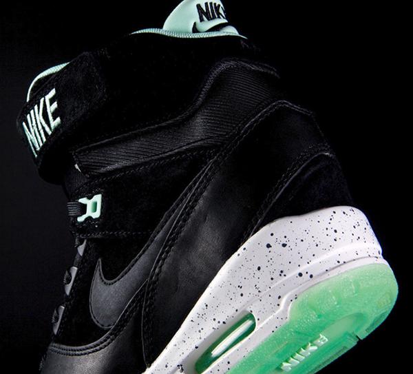 Nike-Air-Revolution-Sky-Hi-LOVERUTION-DETALLE