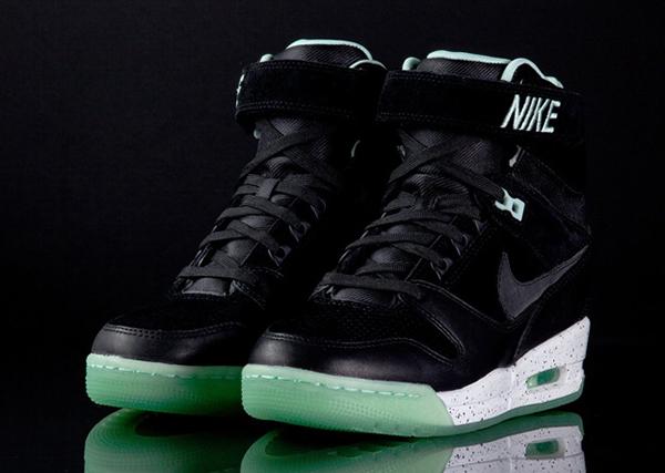 Nike-Air-Revolution-Sky-Hi-LOVERUTION-PAR