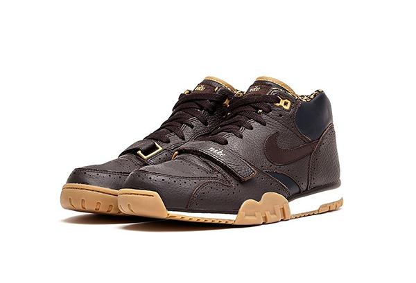 Nike-Air-Trainer-1-Premium-QS-Velvet-Brown-Dark-Obsidian-par-lateral