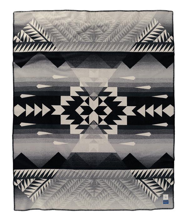 Nike-N7-Pendleton-Blanket-manta-abierta