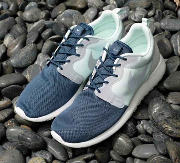 Nike-Roshe-Run-Hyperfuse-Fiberglass-Squadron-Blue