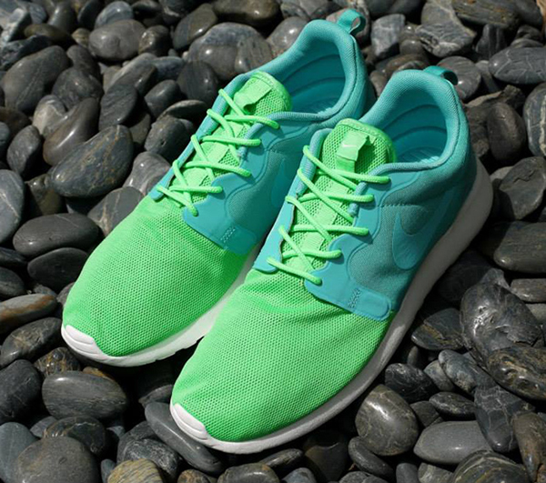 Nike-Roshe-Run-Hyperfuse-Sport-Turquoise-Poison-Green