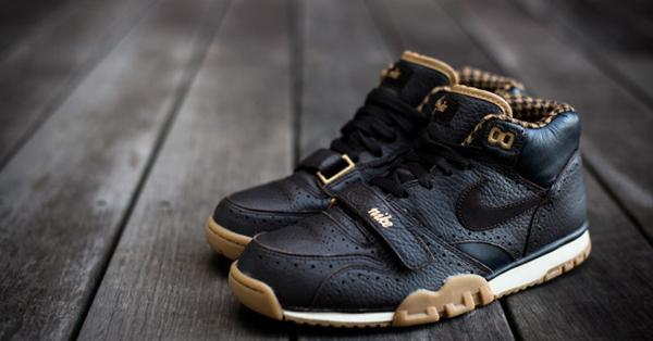 Nike_Air_Trainer_MID_PRM_QS_Brown_Houndstooth_Sneaker_trescuartos-par