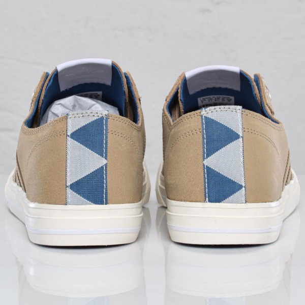 adidas-originals-ao-toss-lo-clear-sand-chalk-frontal