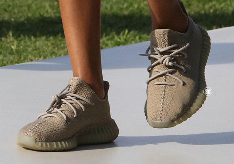 adidas Yeezy Boost v2 Dark Green