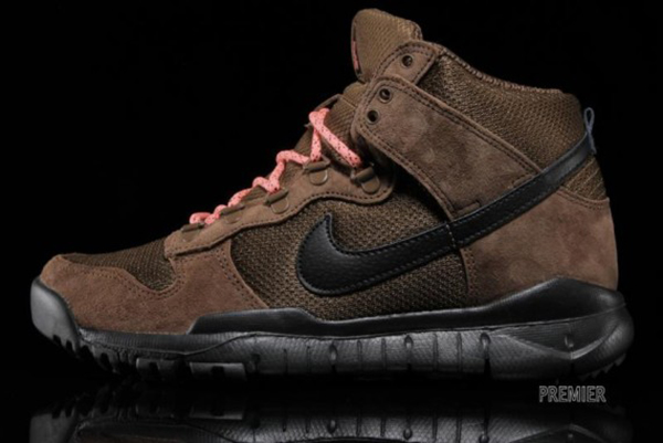 nike-dunk-high-oms-military-brown-dark-khaki-black-sola-perfil