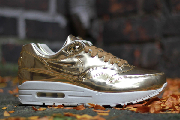 nike-wmns-air-max-1-liquid-gold-lateral